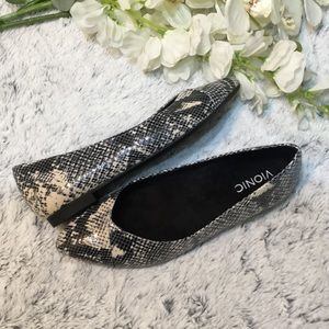 VIONIC Caballo Snake print Shoes Sz 8.5